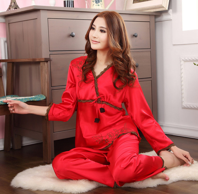 b113dedbee 2017 New Women s Silk Pajamas Sets Two-Pieces sexy elegant sleepwear ladies  homewear Suit Lingerie