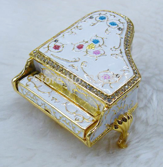 free shipping piano jewelry box vintage jewelry display storage box fashion piano shaped women gift metal box charming simulation piano style jewelry storage box with wind up music effect