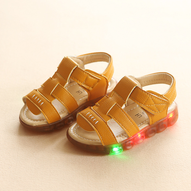 2018 Fashion cool soft leather children sandals LED lighted solid high quality shoes boys cool new brand glowing kids shoes