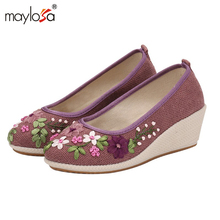 2017 New women Flat Shoes Ballerinas Dance Embroidery Shoes femme Vintage Embroidery Casual Canvas shoes ML06