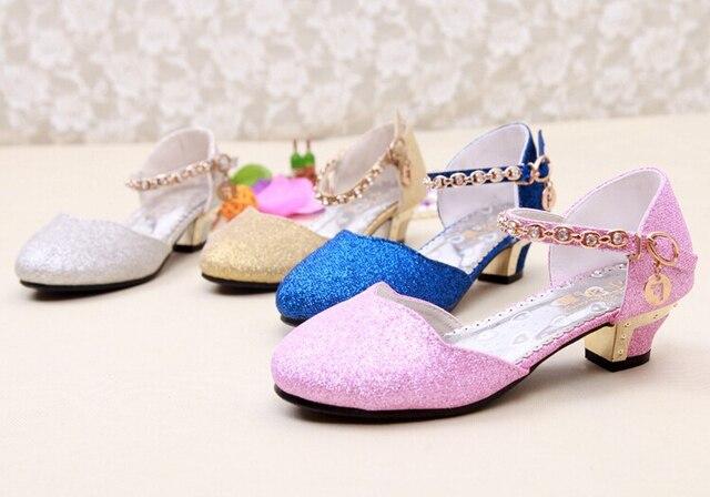 06e576f33f9e4e R$ 87.23 |Meninas de Festa de casamento Sandálias de Verão Sapato Prata  Ouro Bonito Rosa Azul 4 10 Anos Sapatos Sapatos Princesa das Crianças Alta  ...