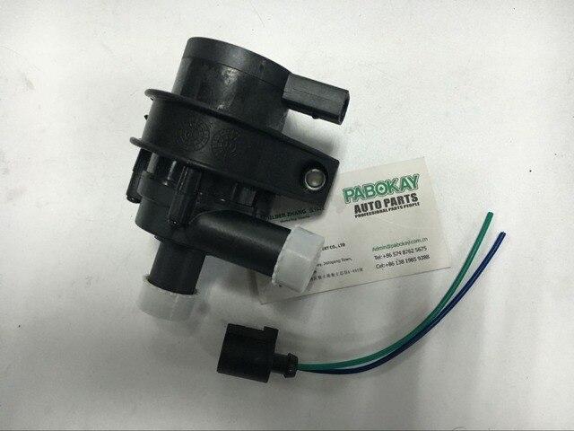 FOR VW 1.8T 2.0T 12V Engine Cars Circulating Cooling Water Pump + Plug 1K0965561J 1J0973702 1K0965561D 1K0965561G