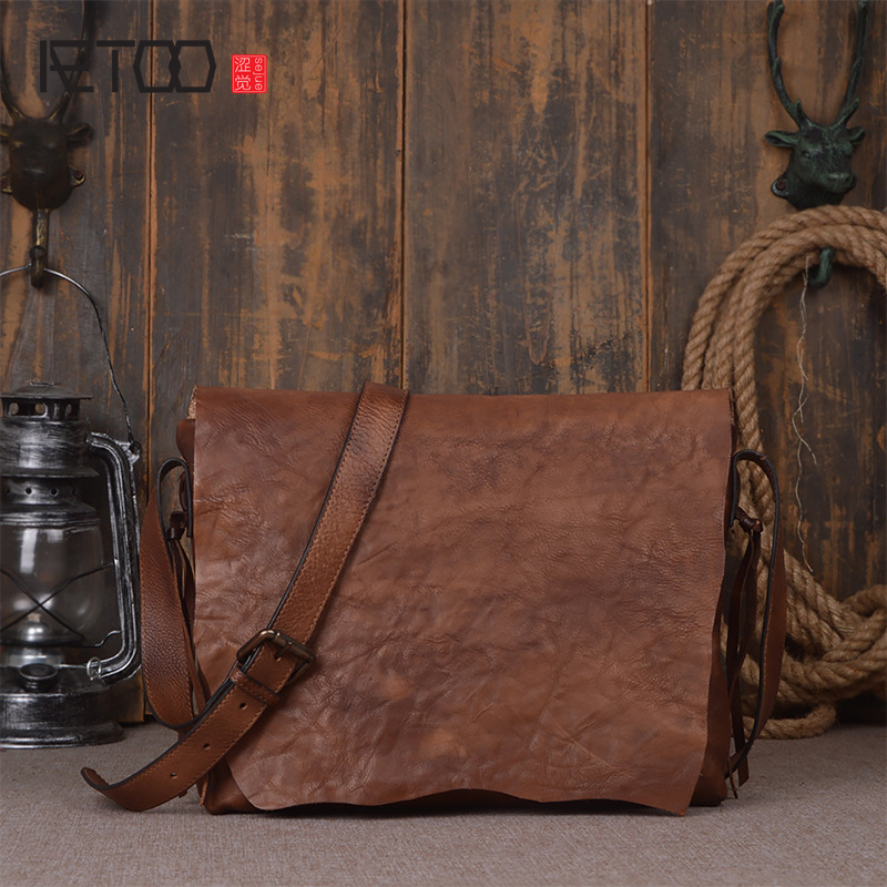 AETOO  Simple retro to do the old hand wipe color planted tannage cowhide shoulder Messenger bag fashion personality leather pos