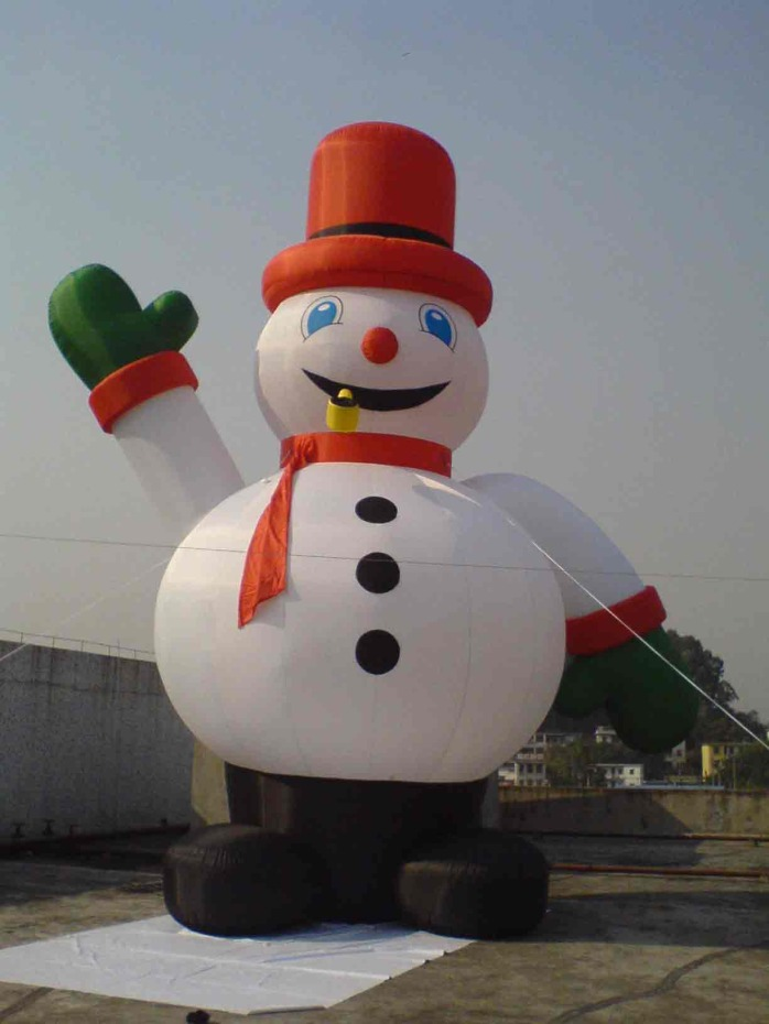 Outdoor large christmas inflatable snowman decorations for Large christmas lawn ornaments