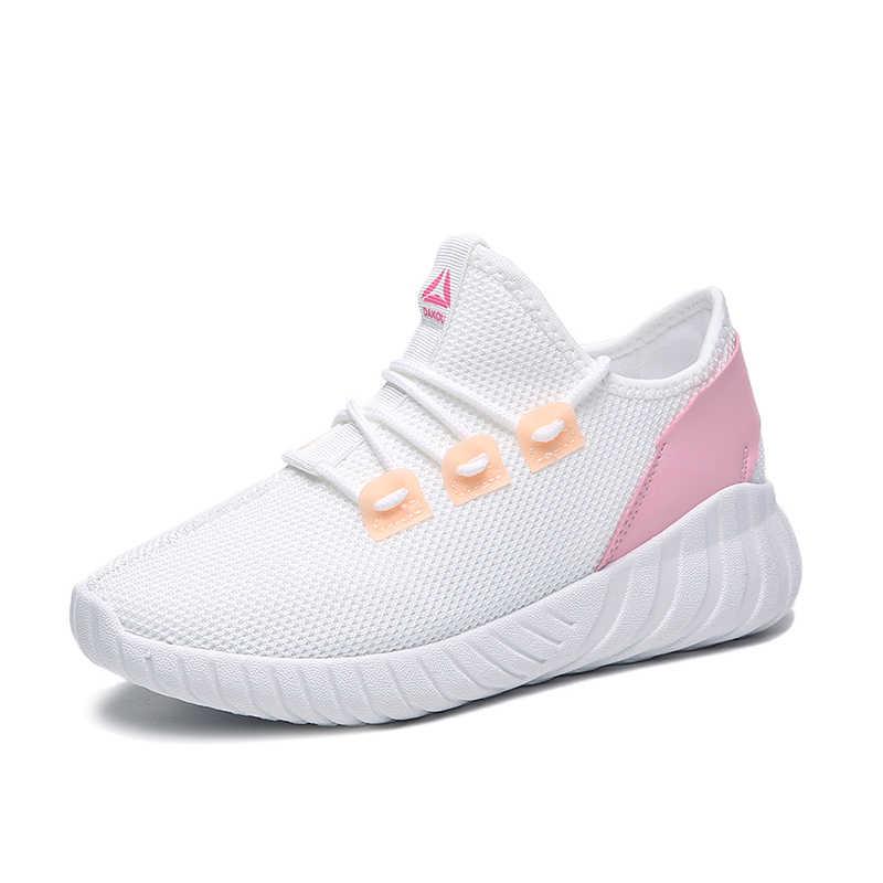 Białe buty kobieta 2019 letnie nowe dzikie płaskie dno oddychające trampki z siatką kobieta buty na co dzień grube dno tata buty z siateczki kobieta