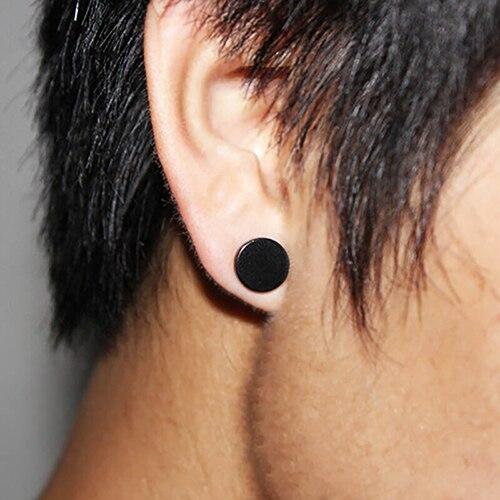 pendientes oreja hombre