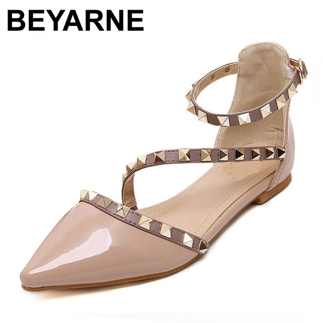 New 2016 Fashion  women Patent Leather rivets women flats shoes Sexy Pointed toe women low heels shoes woman
