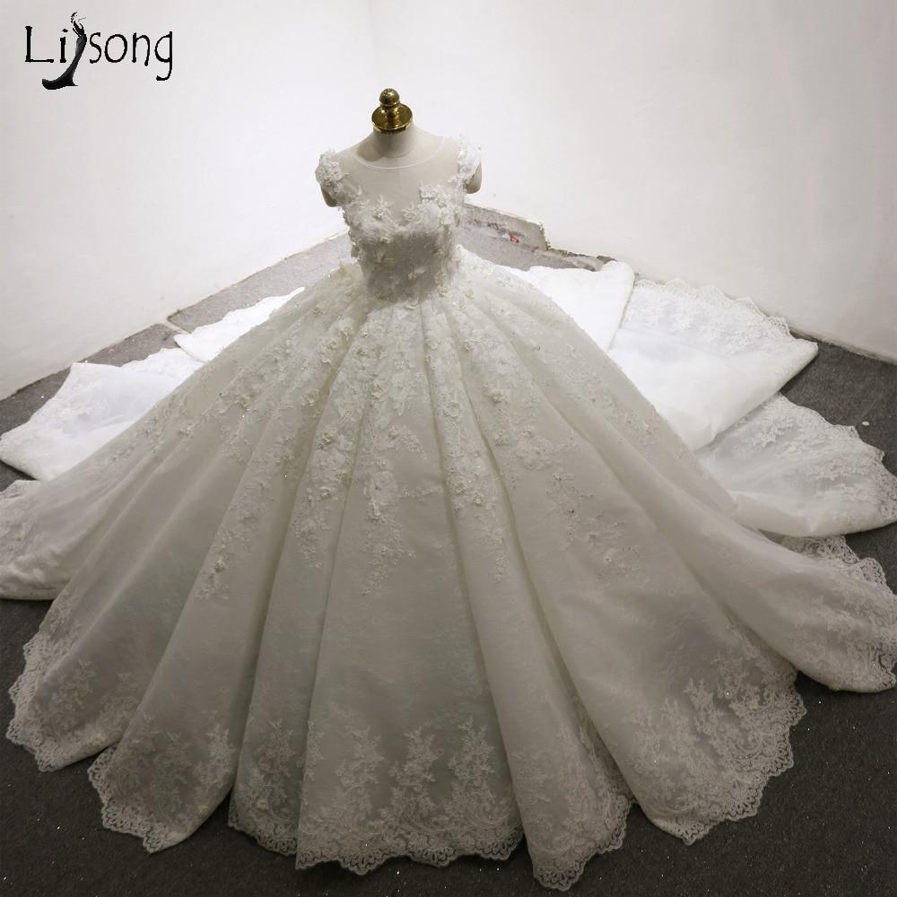 Dubai Luxury Wedding Dresses 3D Flower Appliques Lush Ball Gowns Pleated Bridal Dress Casamento Royal Train Robe De Mariee 2017 Платье