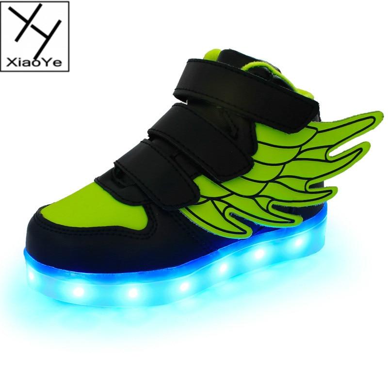 Divat gyerekek fiúk fényes alkalmi cipők cipő szög szárnya LED USB töltő skate cipő