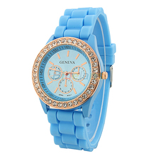 Fashion Geneva Wristwatch Vintage Golden Crystal Rhinestone Watches Silicone Strap Quartz Wrist Watch for Ladies Women 026C
