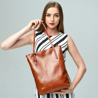 China Hot Sale Big Bag Women Handbags Genuine Leather Oil Wax Cowhide Handbags Lady Real Leather