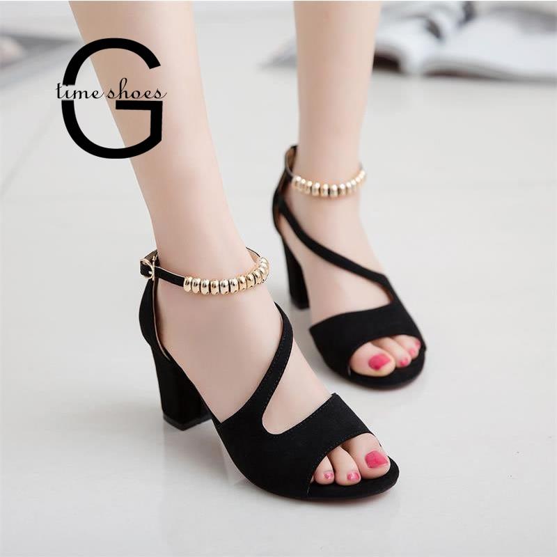Livraison directe Sexy été Peep Toe creux sandales romaines femmes talons Chunky avec perles à talons hauts femmes chaussures fête mariage SE644