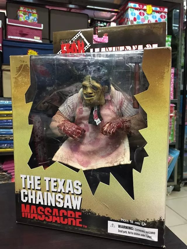 Mezco Saw MASSACRE The Texas Chainsaw PVC Action Figure Collectible Model Toy neca planet of the apes gorilla soldier pvc action figure collectible toy 8 20cm