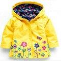 2-6 anos Meninas Do Bebê Da Criança com capuz 2016 primavera Outono Meninas Jaquetas casuais Crianças Outwear flor padrão À Prova D' Água Crianças casaco