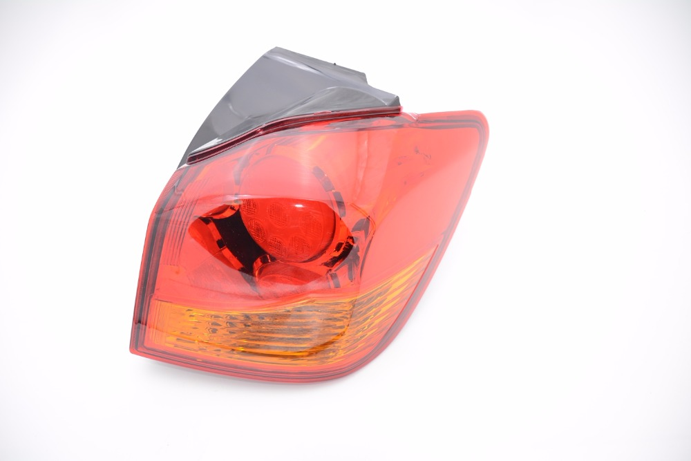 1Pcs Car Outer Taillight Taillamp Rear Tail Lamp Light with Bulb 8336A088 Right Side for Mitsubishi ASX 2009-2015 mzorange1pcs driver side lh 8330a787 tail light taillamp rear lamp light for mitsubishi outlander 2013 2015
