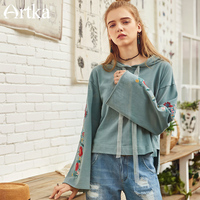 Artka New Spring Cotton Floral Embroidery Flare Sleeve Pullovers Drawstring Funky Retro Short Hoodies VA10384C