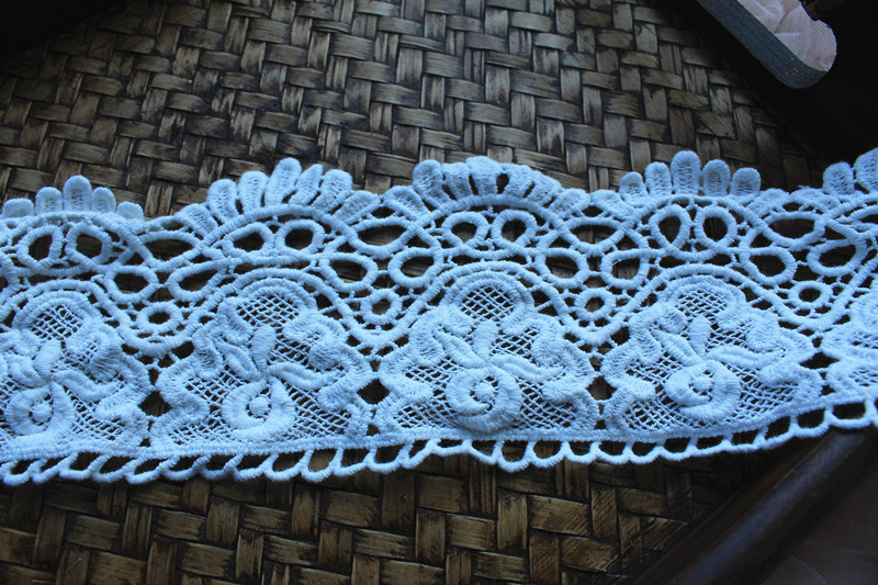 off white cotton crocheted lace trim, vintage style lace trim Embroidered Daisy Florals Scalloped Lace
