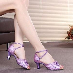 Image 3 - Sapatos de dança latina para mulher brilho cetim salsa tango sapatos sola de borracha macia senhoras sapatos de dança de salão salto 5.5cm tamanho 34 42
