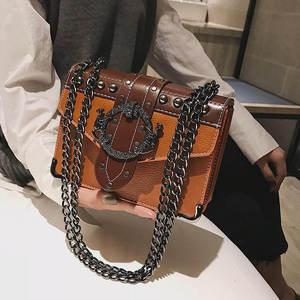 جلد طبيعي حقائب كتف الشهيرة العلامة التجارية امرأة خمر نمط برشام سلسلة الإناث الاتجاه عالية الجودة أزياء سيدة اليد