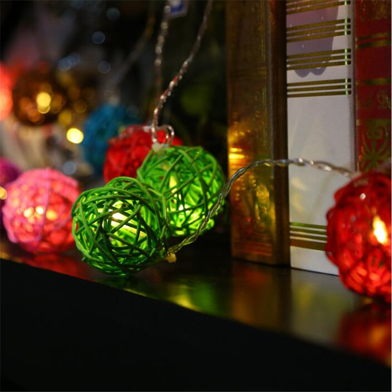 10 Christmas Ball String Lights with White LED Lights 1.5m