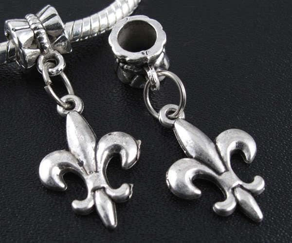 ccaec53115ea 50 unids plata tibetana Fleuret cuelgan los encantos cupieron la pulsera  Europea 29x12mm (3120)