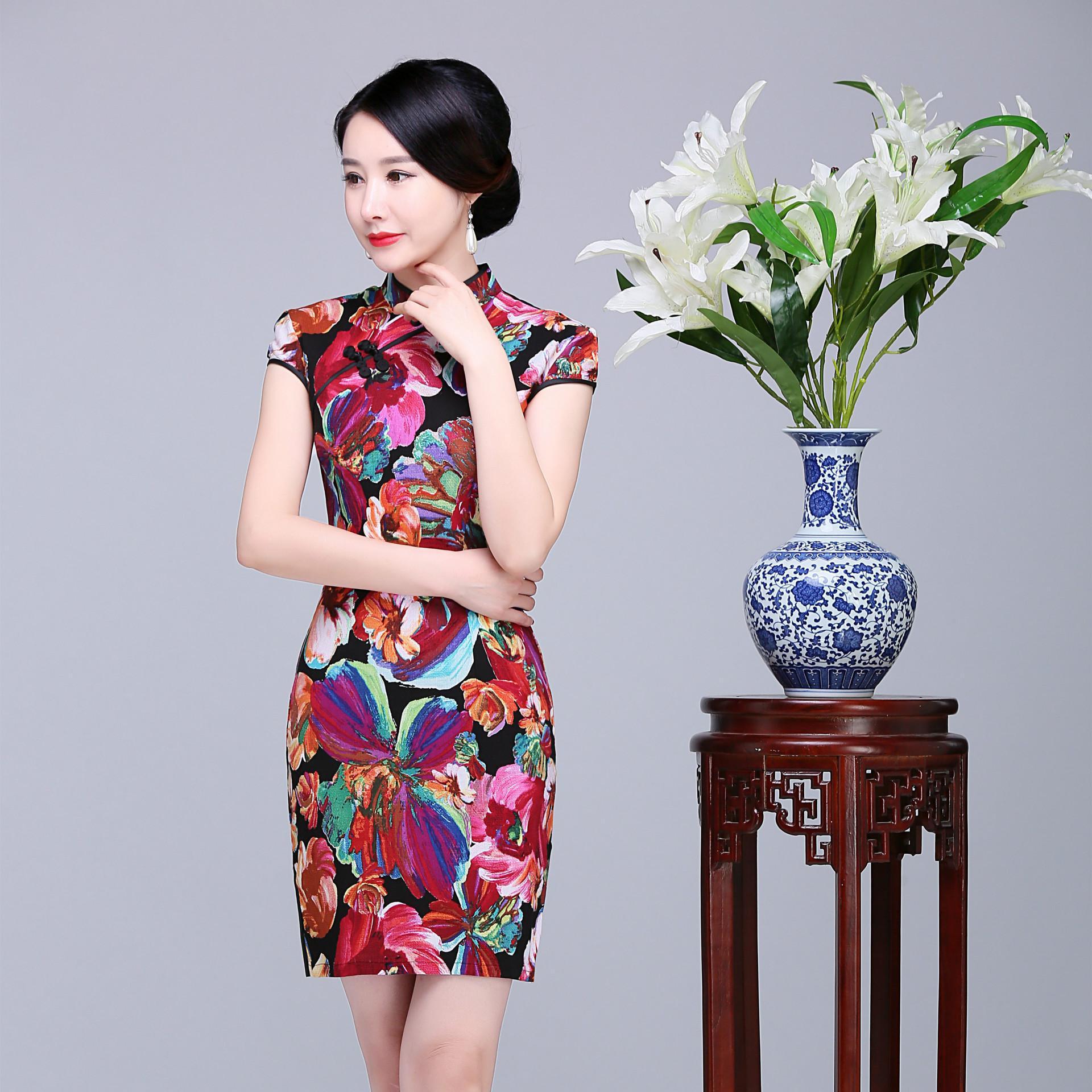 0837551f3 Summer New Vintage Women Fashion Qipao Elegant Cotton Linen Cheongsam Sexy  Print Flower Stage Show Dress Plus Size 3XL 4XL 5XL-in Cheongsams from  Novelty ...