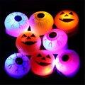 2016 Горячей продаж Хэллоуин реквизит Мягкие резиновые кольца Глаза мигает кольца светящиеся Тыквы кольцо лампа палец лампа Light-Up игрушки