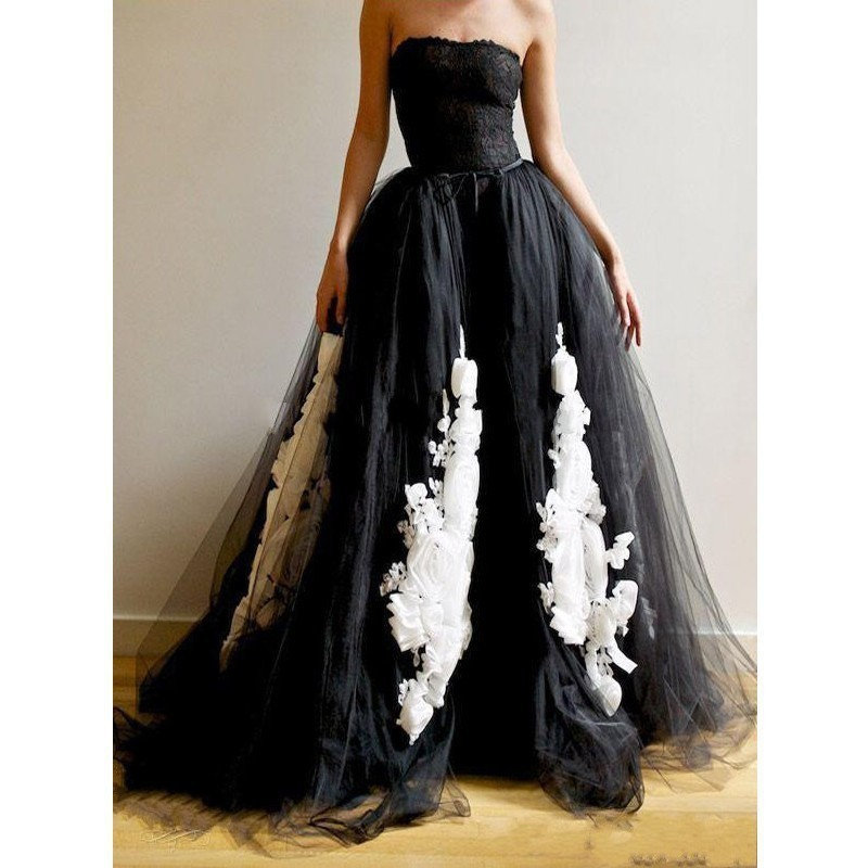 victorian new design strapless open back long bride gown with appliques lace black and white gothic - Halloween Wedding Gown