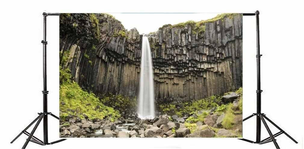 التصوير خلفية Skaftafell شلال طويل التعرض نجا روك الأحجار كليف تتالي النباتات الخضراء الربيع السفر