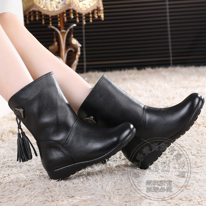 ФОТО Mid-calf Casual Fringe Cotton-padded Winter Shoes Woman Pure Color Flat With Tassel Rubber Women Fashion Boots Genuine Leather