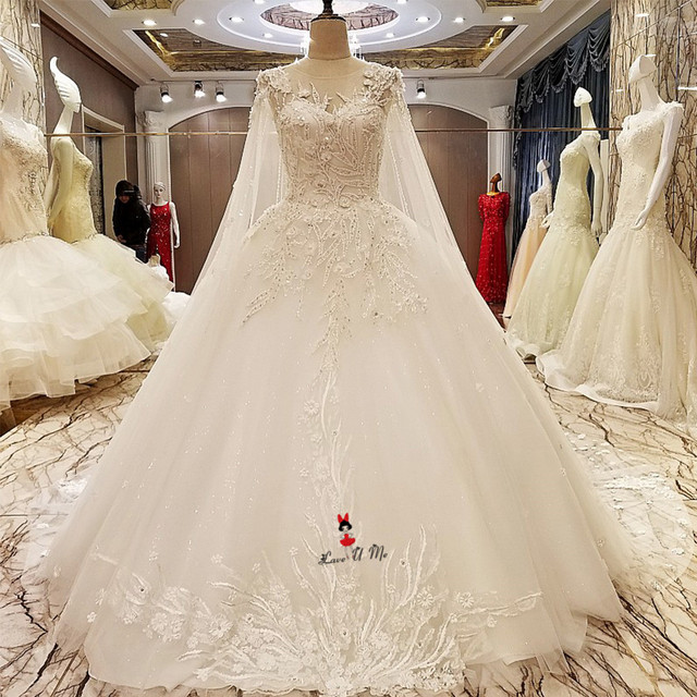 Luxury Wedding Dress Long Train Fitted Beads Vintage Gowns With Cape Ball Gown Bridal Dresses