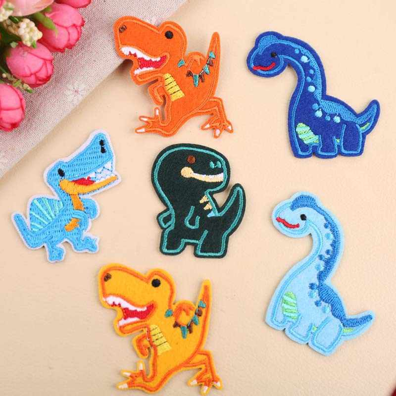 1Pcs Dinosaurus Borduurwerk Patch Heat Transfers Iron On Sew Patches voor DIY T-shirt Kleding Stickers Decoratieve Applique 47314