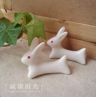 The Small White Rabbit Chopsticks Rack Kankan Cute Animal Ceramic Chopsticks Holder Sideboard Garden Ornaments