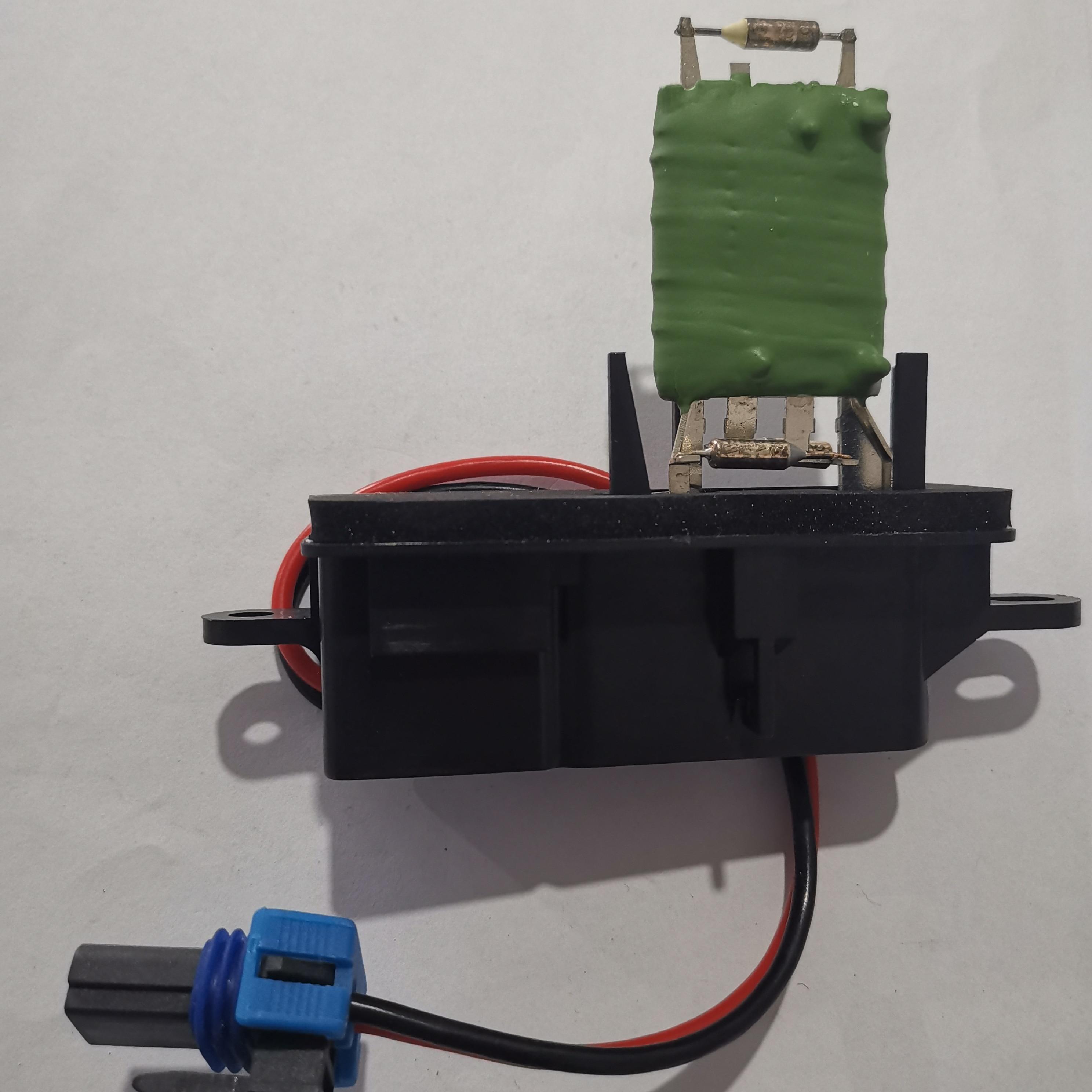 OEM 12135104 89018770 Новый резистор электродвигателя вентилятора переменного тока