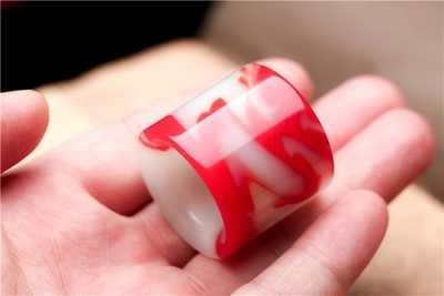 Xinjiang และ Tian ไก่เลือดหยกนิ้วมือแหวนผู้ชายและผู้หญิง