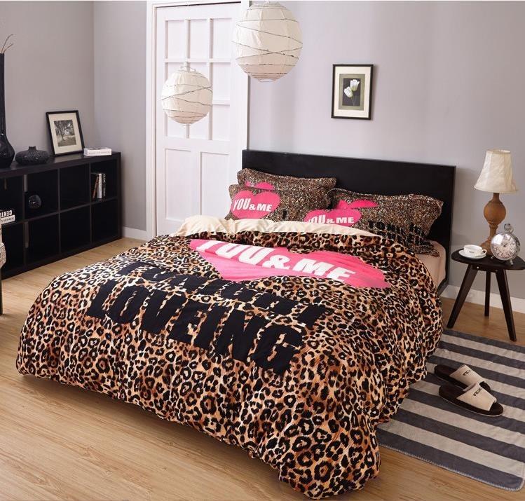 New VS Secret Pink Soft Animal Print Fashion Velvet Victoria Comforter Bedding Set Bed Sheets 4PCS Duvet Cover Set Bedspread