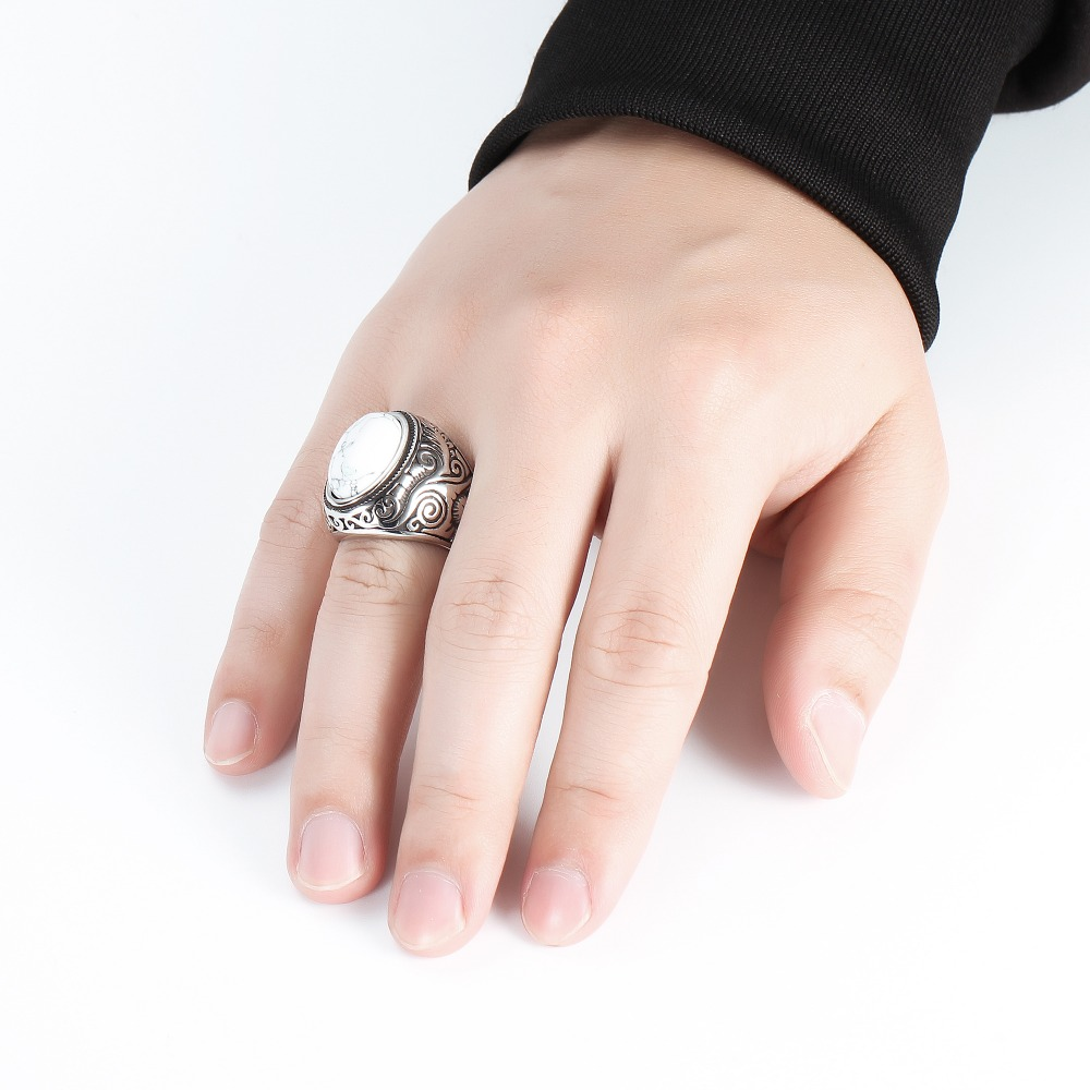 Wholesale Retro Jewelry Stone Rings For Men Titanium Steel Inlaid Three Colors Onyx Ring Men Domineering Opal Ring 2