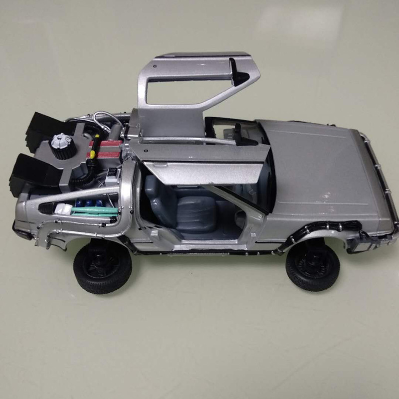 HOT SALE] WELLY 1:24 DMC 12 Delorean Time Machine Back To