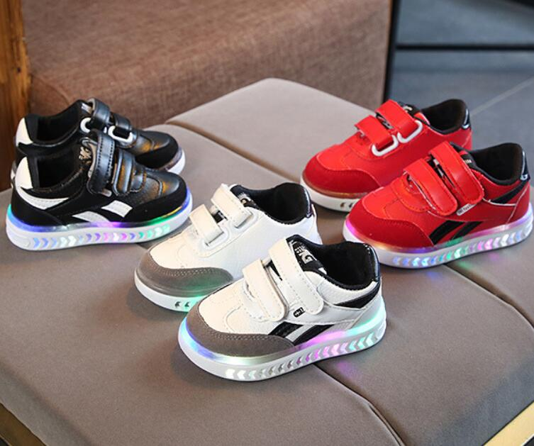 Kids LED Sneakers Breathable Children Sports Shoes For Baby Girls Boys Luminous Running Shoes With Light Size 21-30 Boots