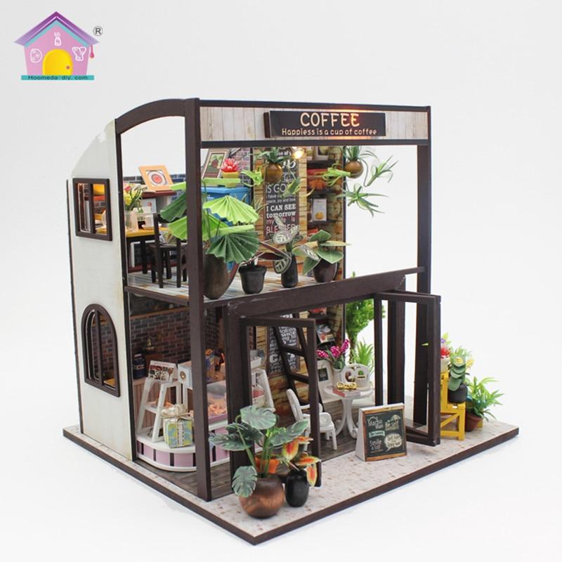 Hoomeda Nuovo arrivo In Miniatura Casa di Bambola di Legno Con Mobili FAI DA TE Agitarsi Giocattoli Per I Bambini I Bambini Regalo Di Compleanno Casa di Caffè M027