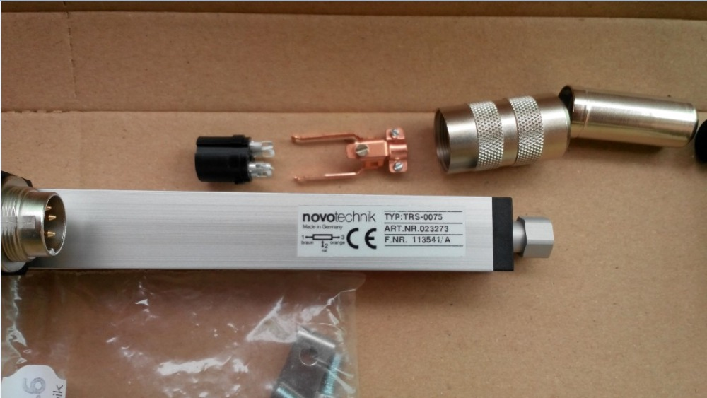 Free Shipping  Linear Displacement Sensor TR/TRS-0075