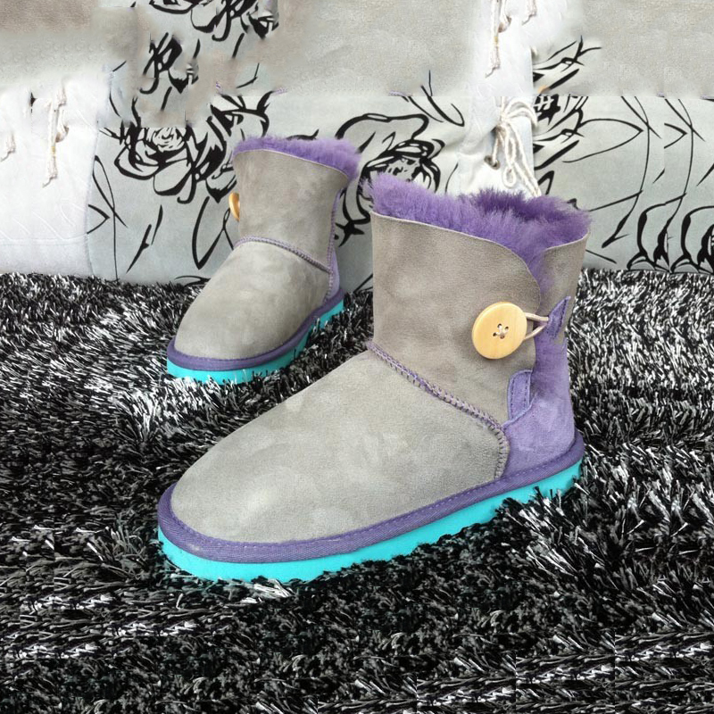 ФОТО UVWP Top Quality Genuine Sheepskin Leather Snow Boots Flat Heel Ankle Boots 100% Natural Fur Women Boots Warm Wool Winter Boots