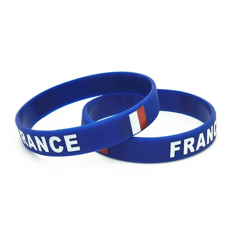 Купить с кэшбэком 1PC France Flag Silicone Wristband Blue  Football Sports Souvenir Silicone Rubber Bracelets&Bangles Gifts SH220