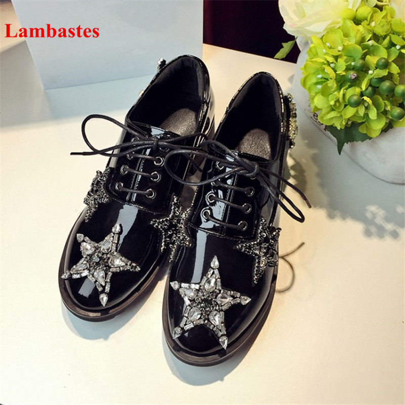 2018 Spring Round Toe Balck Cryatl Embellished Star Design Women Casual Shoes Patent Leather Lace Up Low Heel Brogue Retro Shoes lloprost ke spring women platform shoes oxfords brogue patent leather flats lace up round toe shoes vintage casual shoes my110