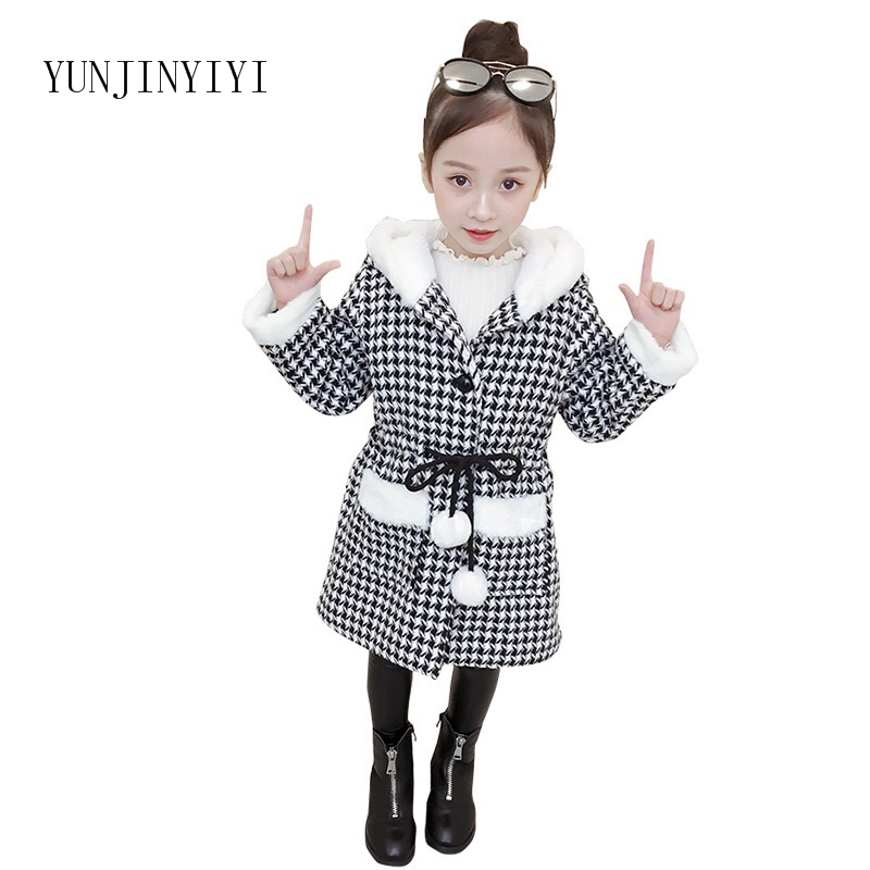 2018 new children's woolen coat Korean version of the winter thickening plus velvet cap single-breasted woolen coat
