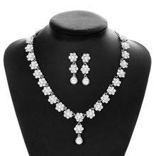 SLBRIDAL Cute Clear Rhinestones Crystal Pearls Flower Wedding Jewelry Set Bridal Necklace Earrings Set Women Prom Party Jewelry red crystal pearls bride wedding jewelry sets tiaras necklace earrings 3pcs set women party prom pearl hair jewelry ornament set