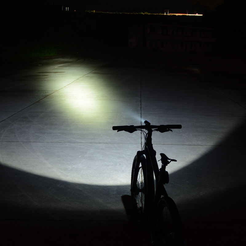 Rockbros Light Magnetic 700 Lumen Bike Light USB Rechargeable Waterproof Bicycle