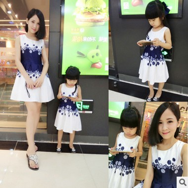 Mother Daughter Dresses Family Matching Clothing Girls Dress Sleeveless Formal Print A-line Dress For Summer Kid free shipping