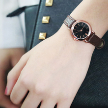 Retro Women's Watches Fashion Small Dial Leather Strap Ladies Quartz Clock Dress Wristwatches Relogio Feminino Dropshiping
