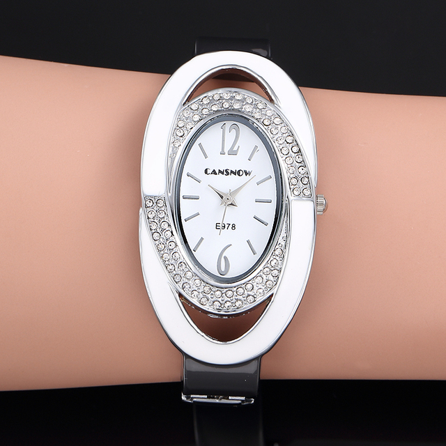 2018 New Luxury Brand Fashion Oval Dial Rhinestone Quartz Bangle Watches Women D